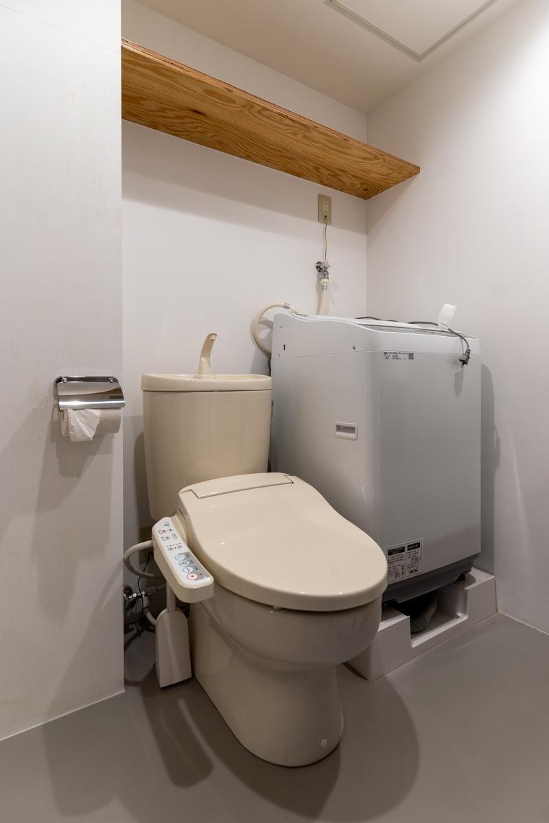 トイレと洗濯機スペース