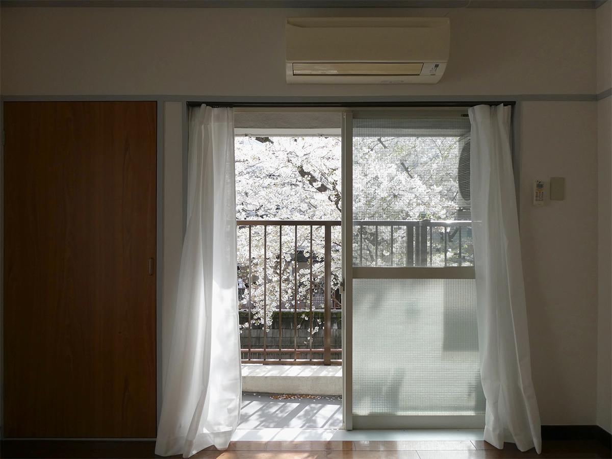 窓を開けるとふわっと風が通って気持ちがいい