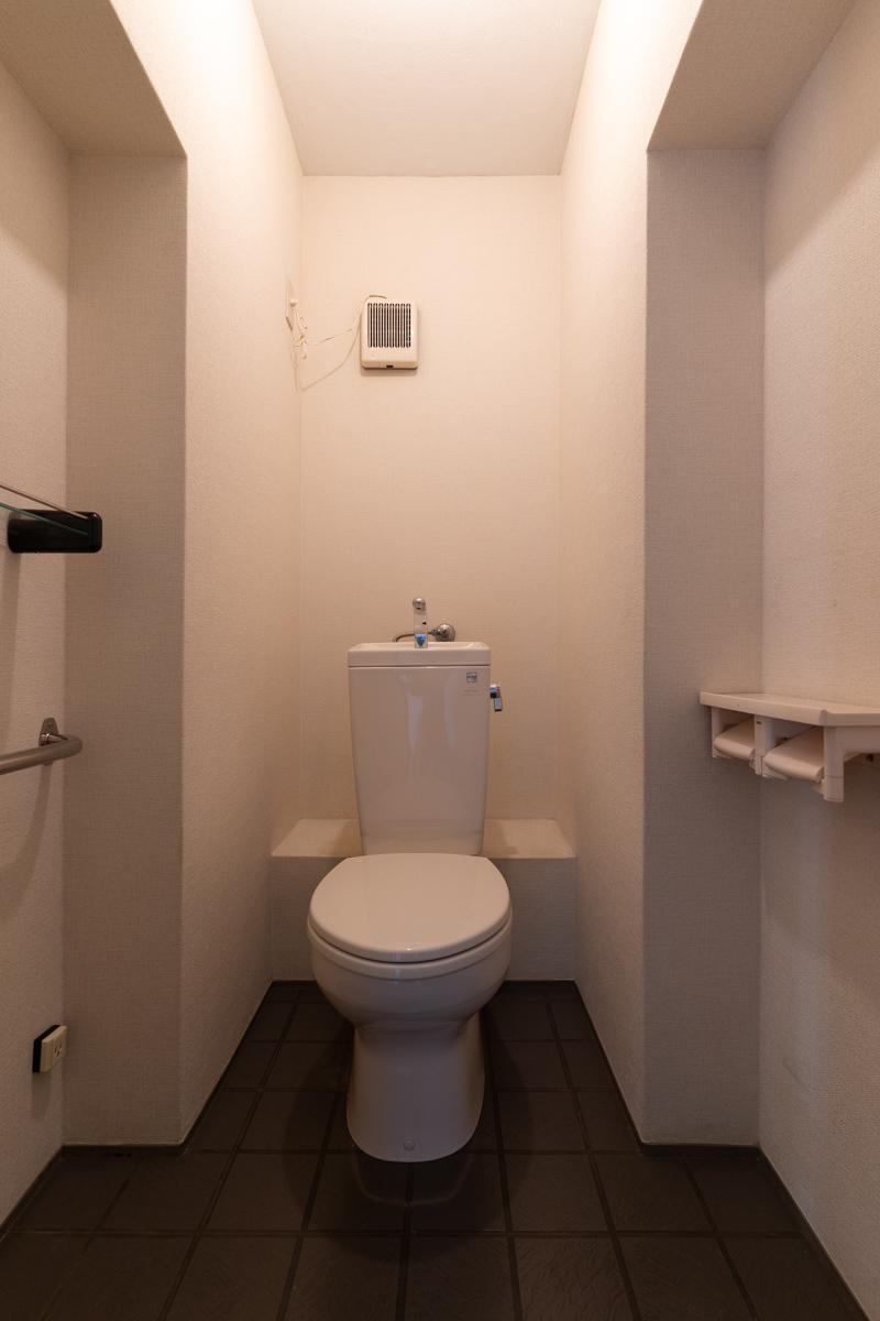 トイレにはウォシュレットがありません(電源はあるので設置は可能です)