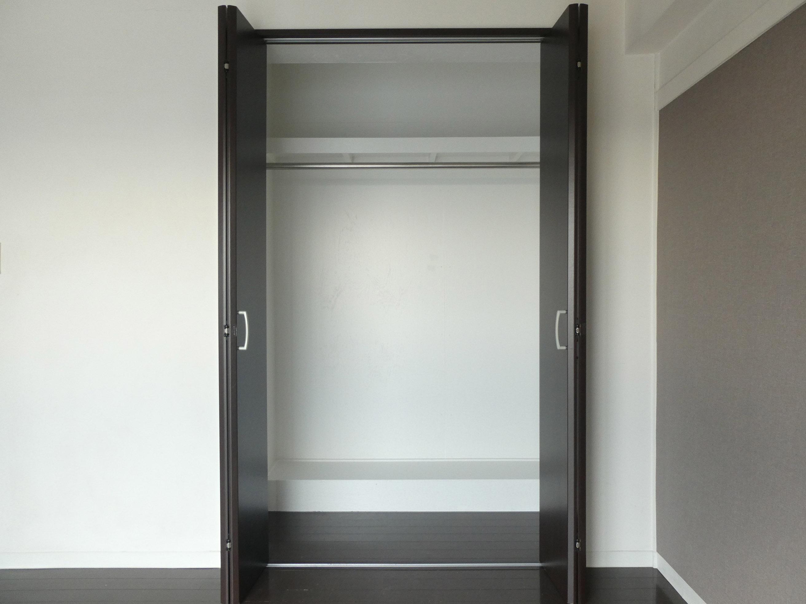 6畳洋室の収納