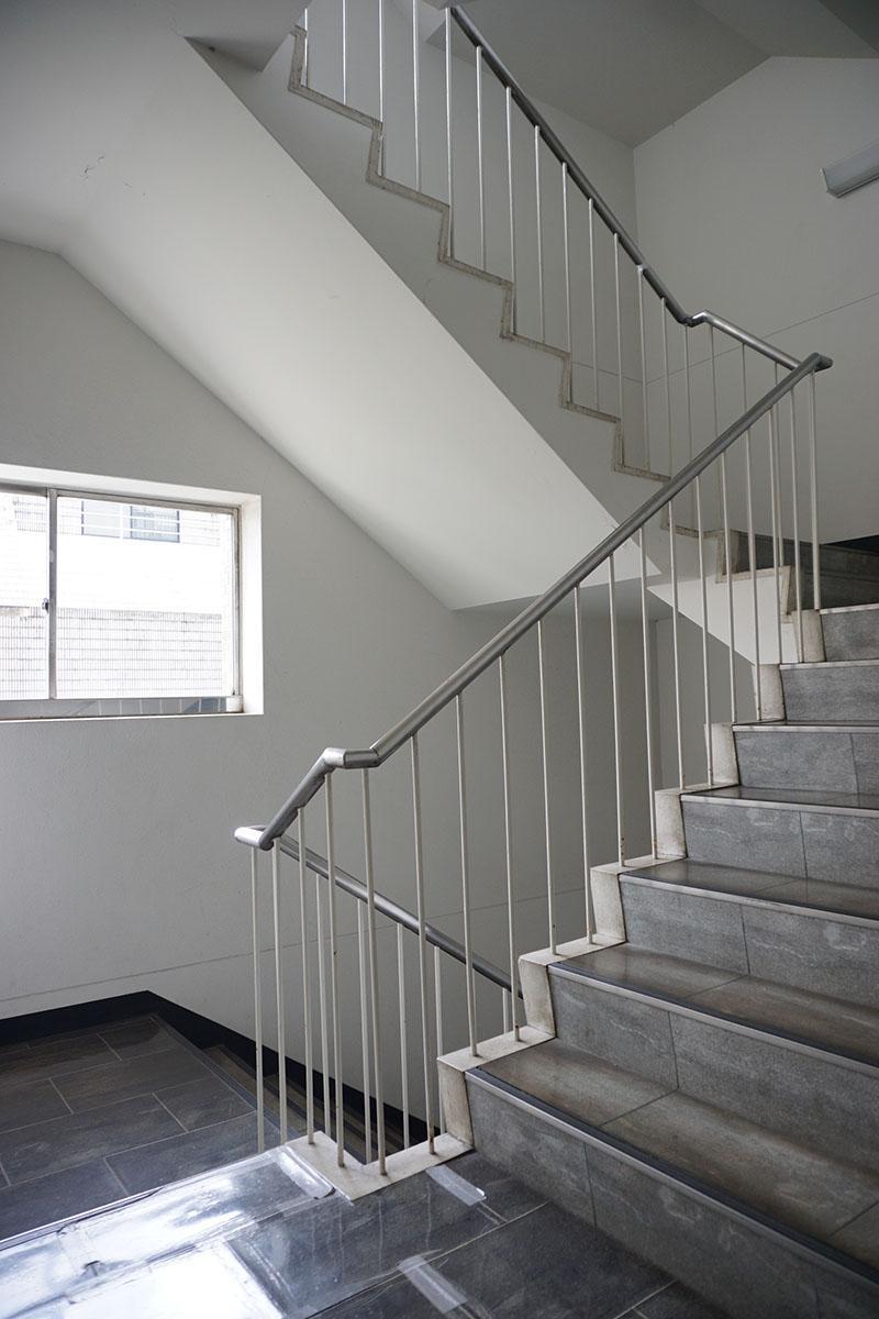 共用階段も素敵