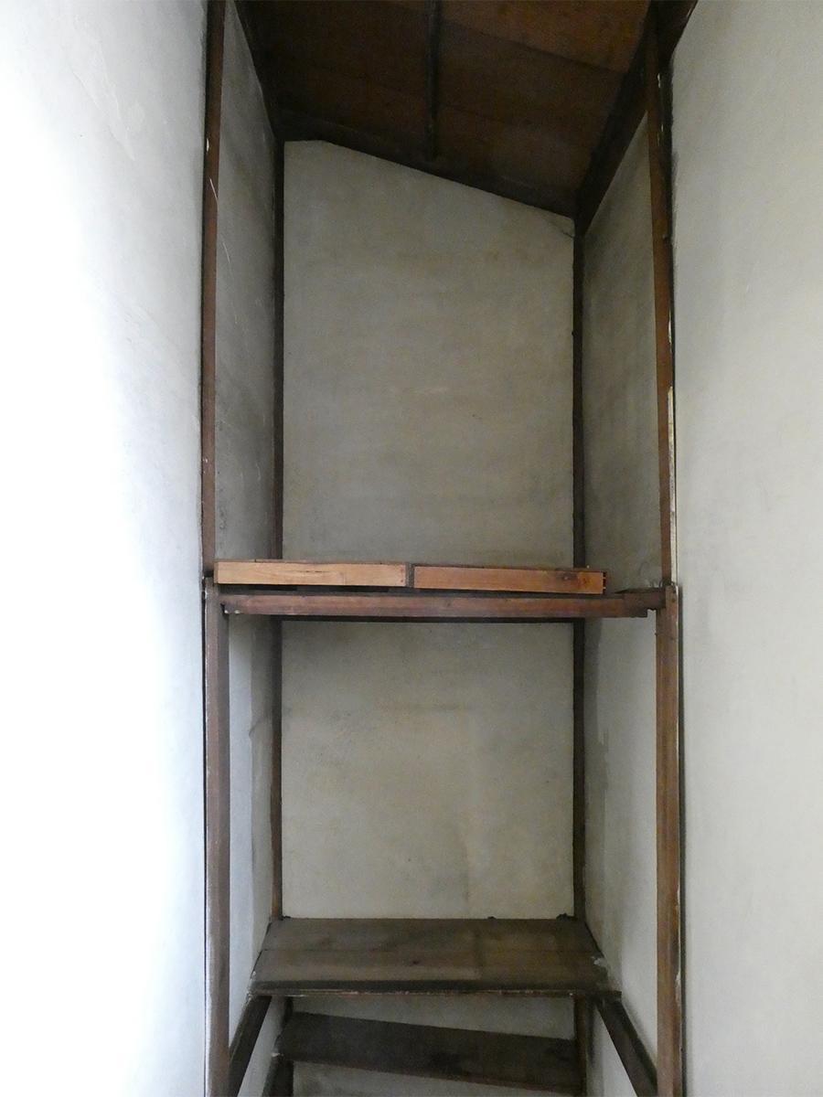 階段の上はたっぷり収納