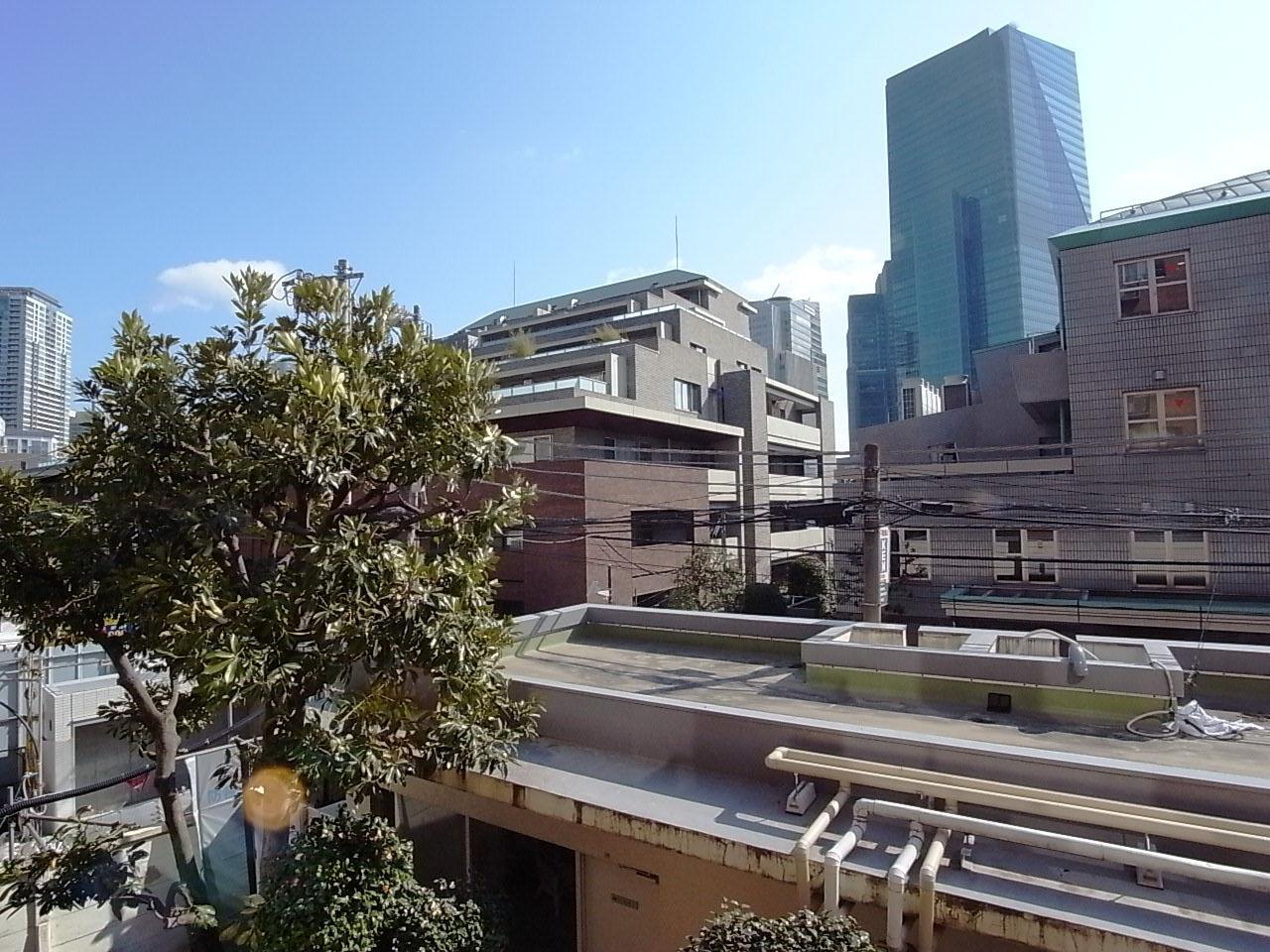 建物はあるけど圧迫感はない眺め、空も見える