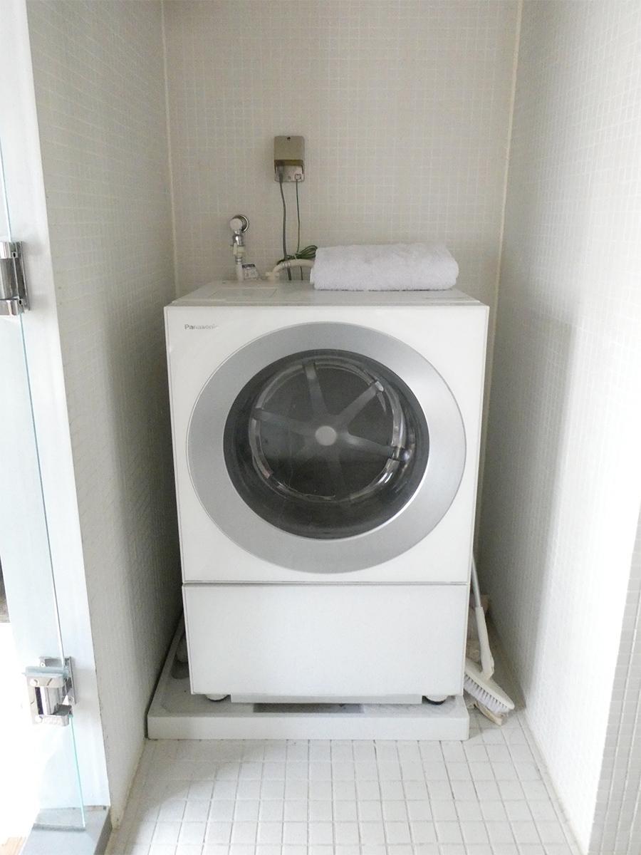 洗濯機置き場(洗濯機は残置物で撤去可能)