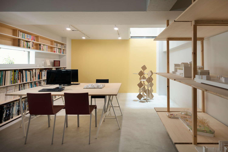 地下のアトリエは設計事務所として利用