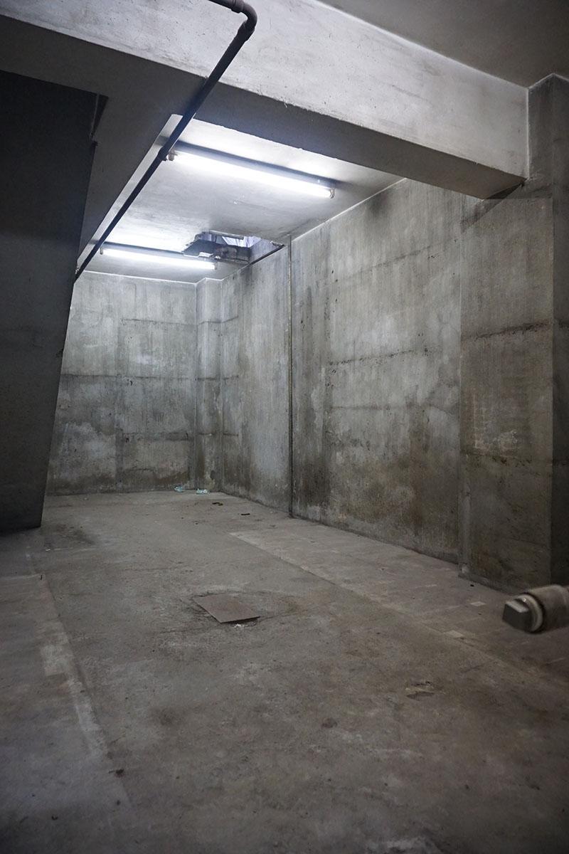 地下1階:天井高3.7m程度