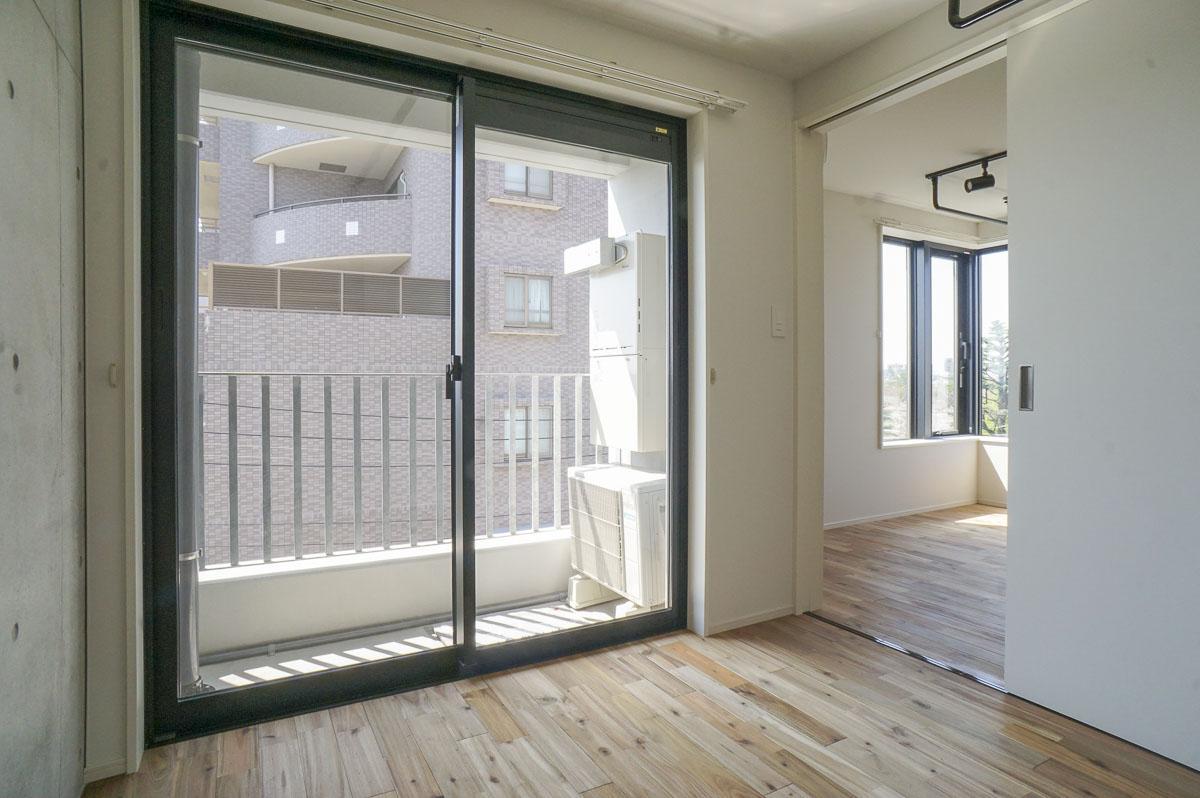 4.3畳の寝室にも窓がある