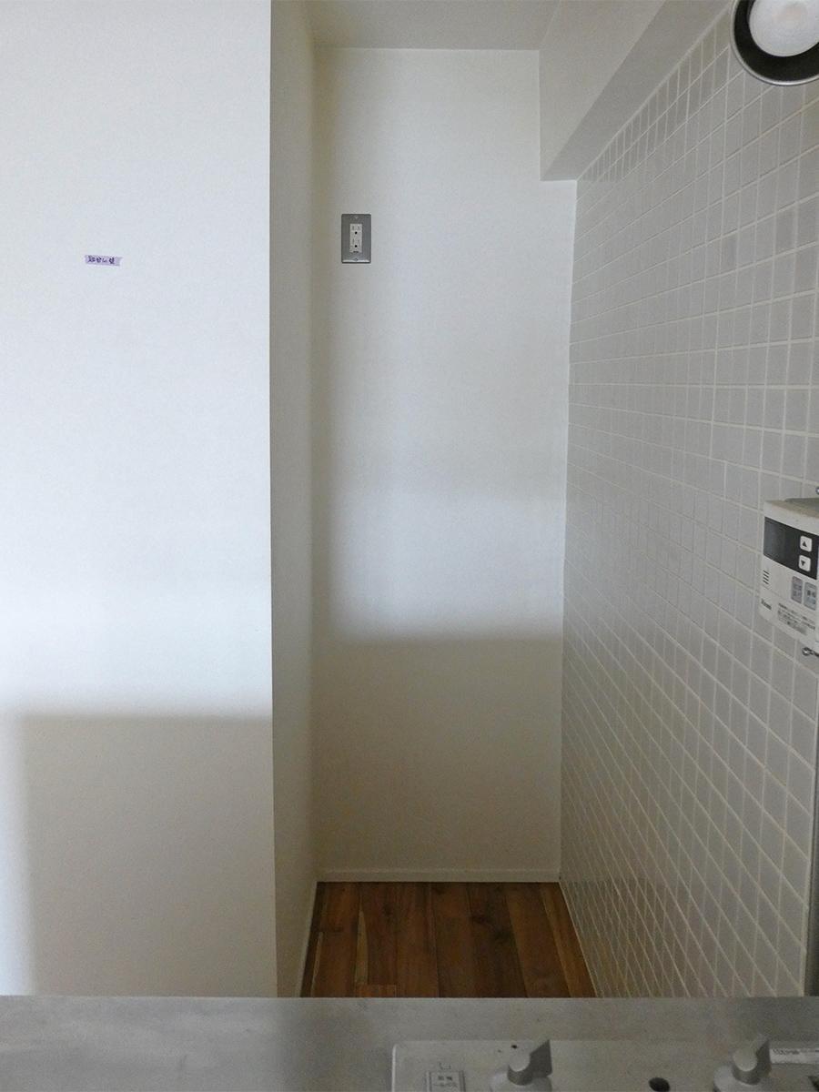 冷蔵庫置き場の幅は約60cm