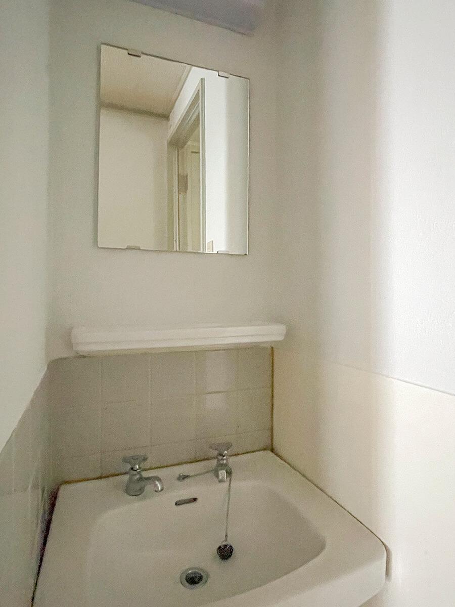 1A:こちらの区画は、独立洗面台あり