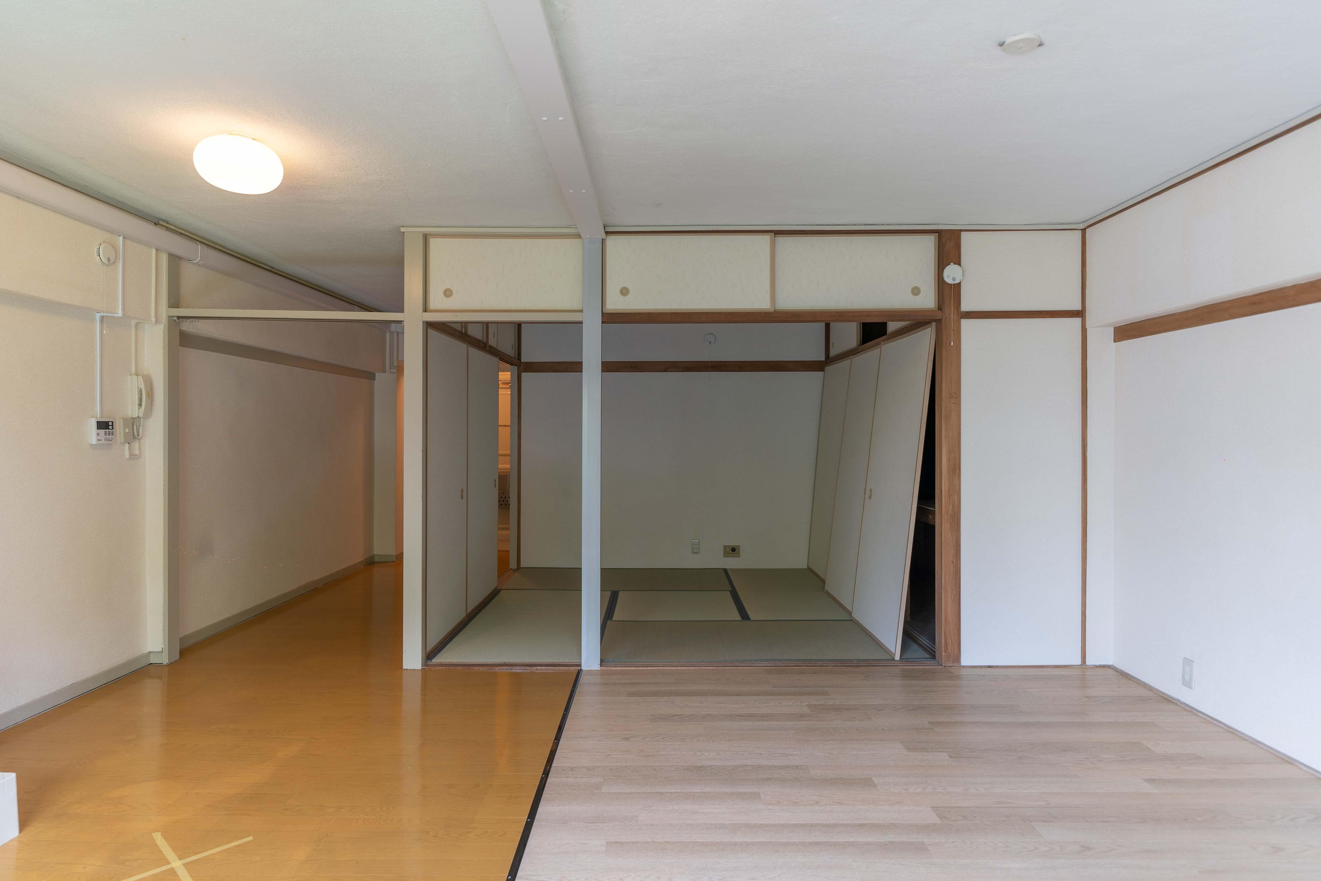 寝室とは襖で仕切られている
