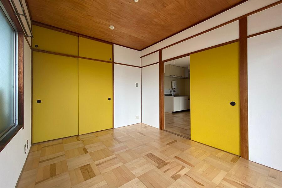 洋室は寝室だけではなく、椅子やテーブルを置くこともできそうです