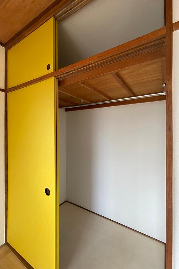 洋室の収納は押入を改造