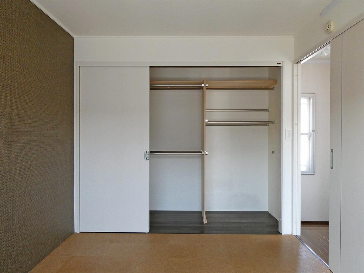 10階6畳洋室:収納もきちんと