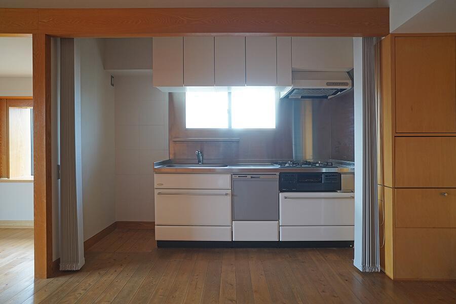 キッチンは2004年に、ガスコンロと食洗機は2018年に交換しました