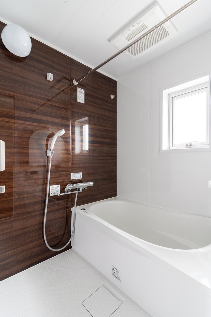 バスルームは1317サイズと、この広さの物件にしては若干小さめかもしれません