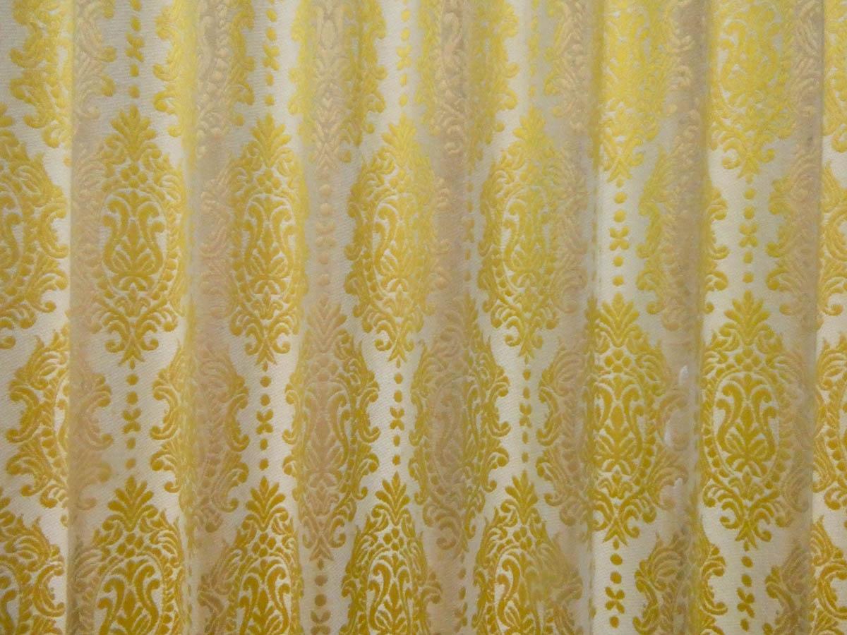 脱衣所を仕切るアコーディオンカーテンの模様