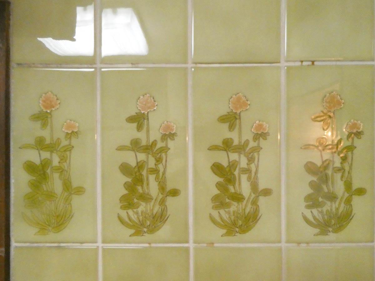 キッチン壁のタイル