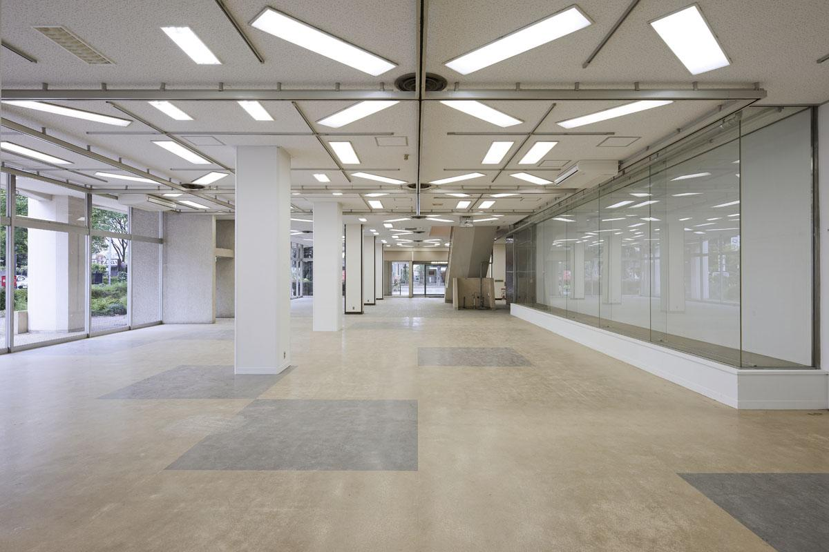 【1F】1-1〜1-5区画:ポテンシャル溢れる、天井高3m以上の大空間