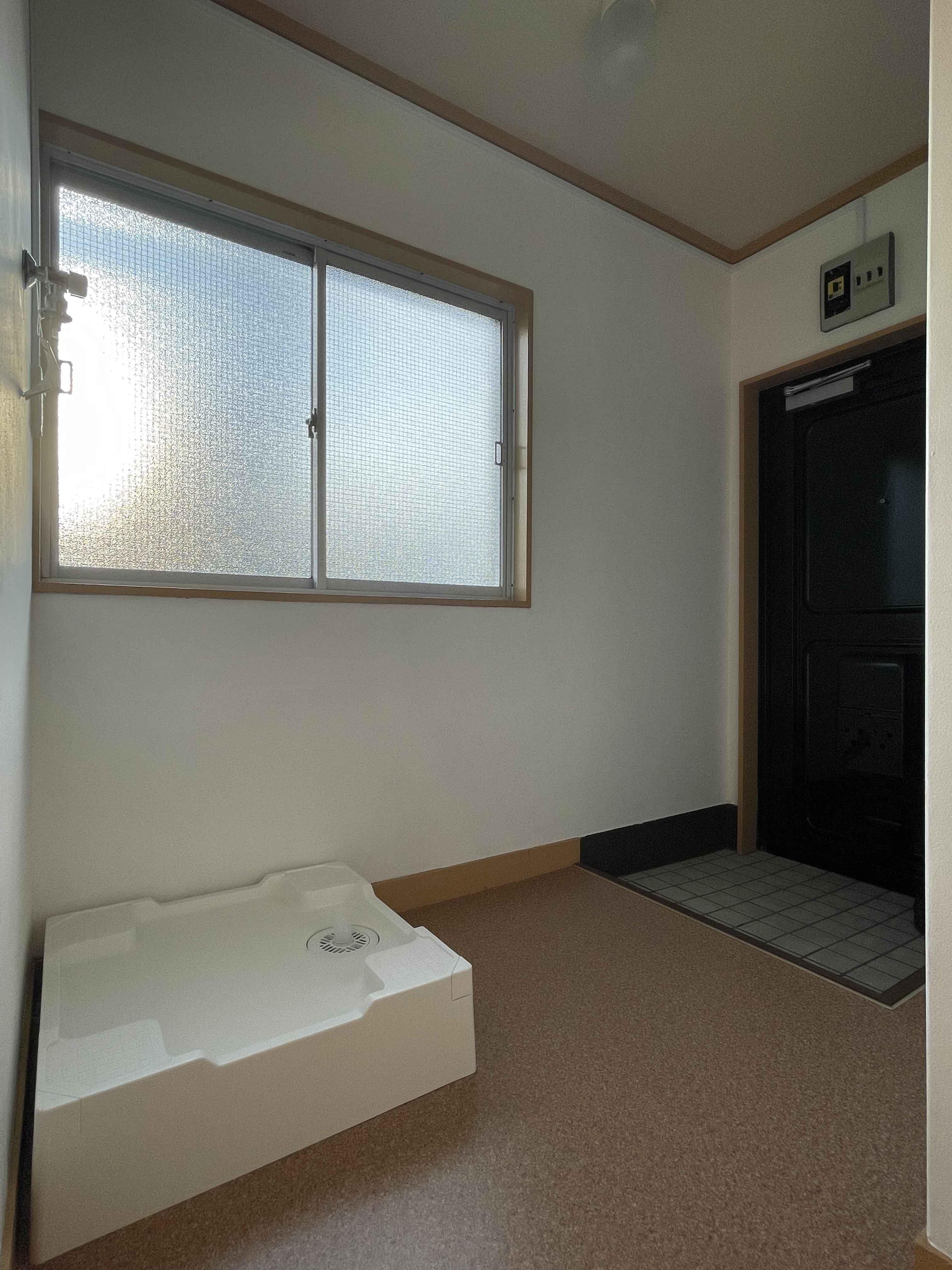201号室:洗濯機置き場