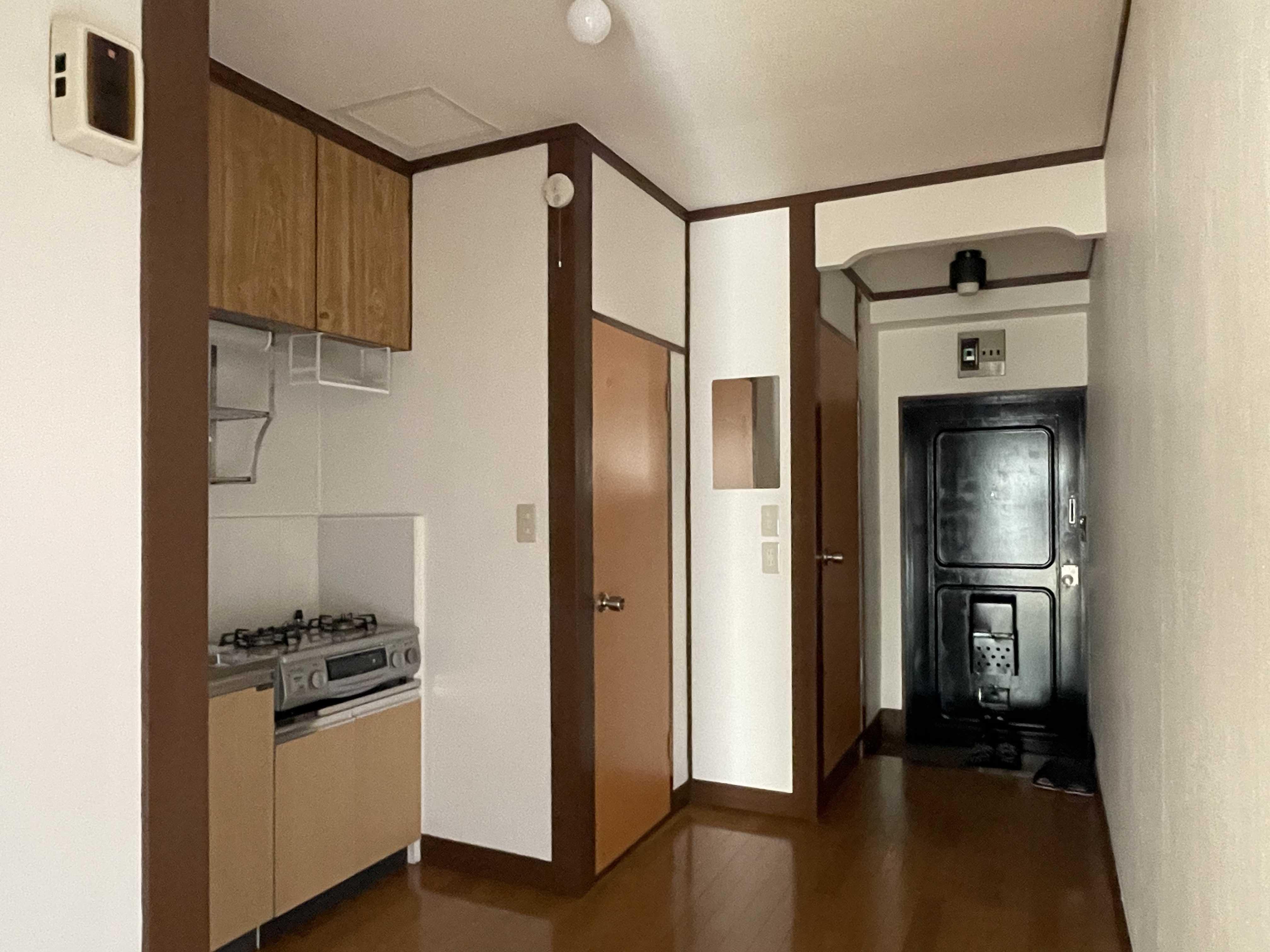205号室:3畳のキッチンスペース