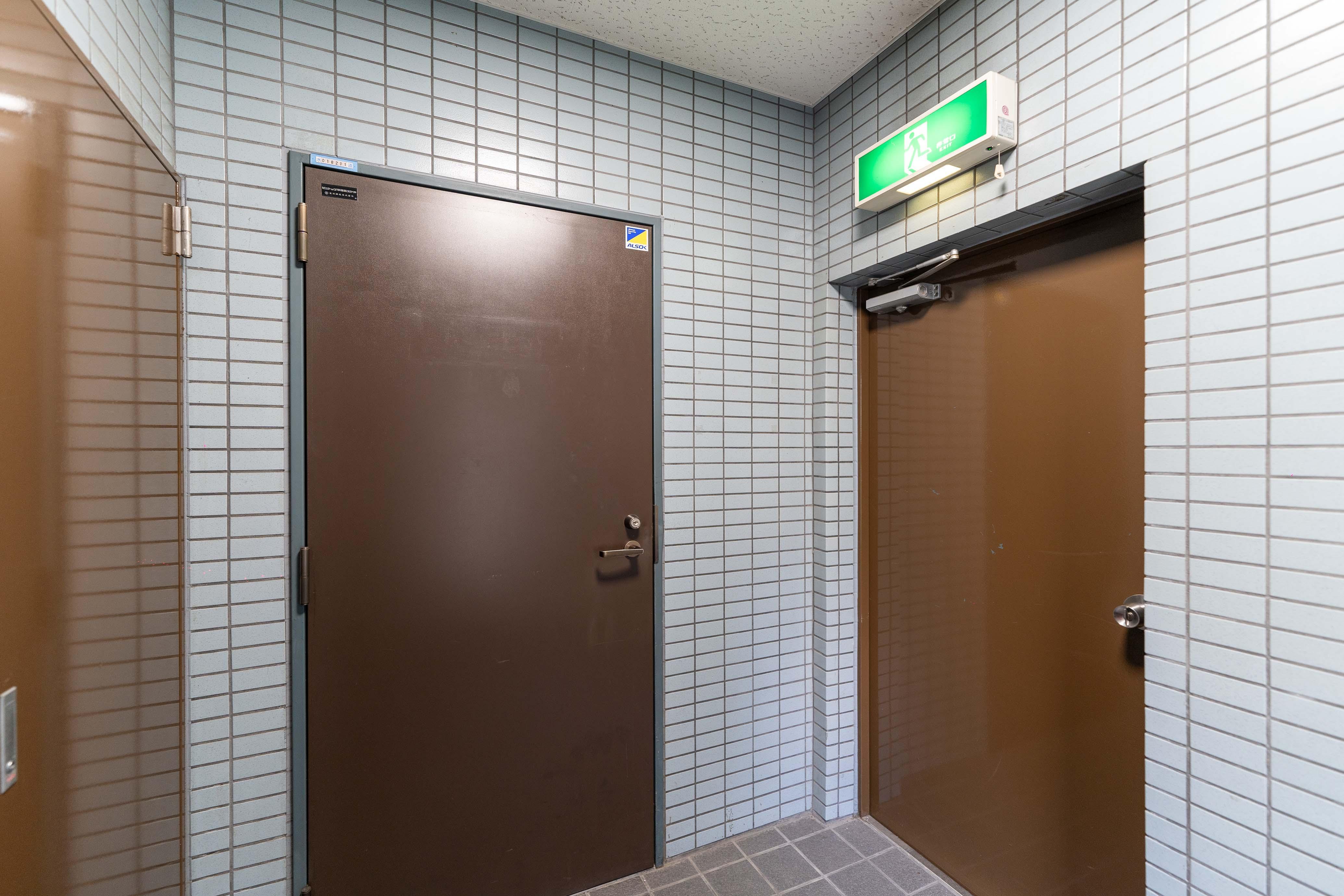 2階のエレベーターホール。2階部分を専有できる