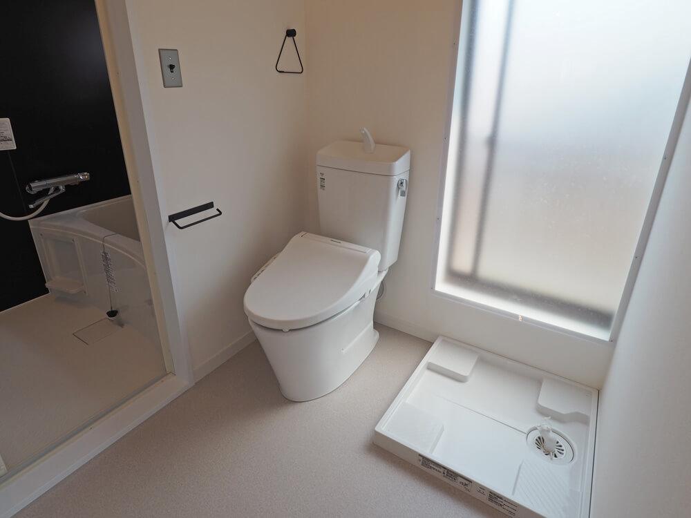 トイレと洗濯機置場とお風呂