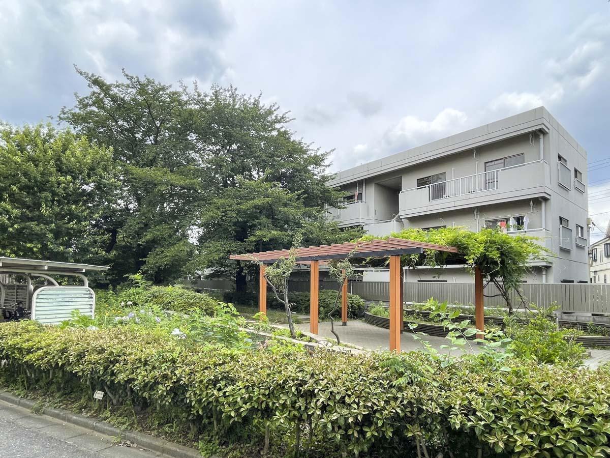 桜の樹の横で (三鷹市上連雀の物件) - 東京R不動産