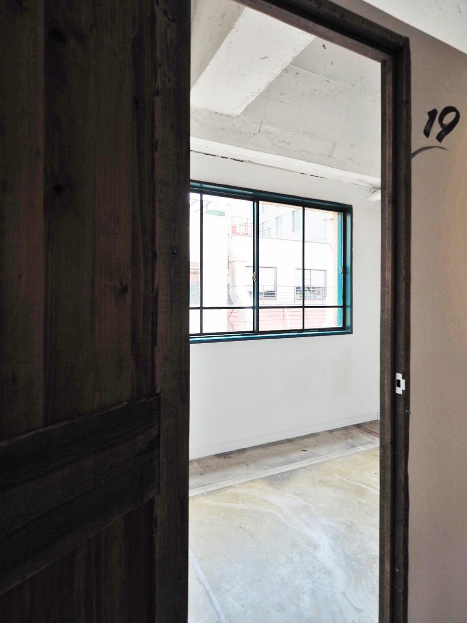 016〜021の個室は南向きの窓付き
