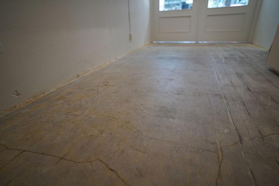 床はモルタル仕上げ