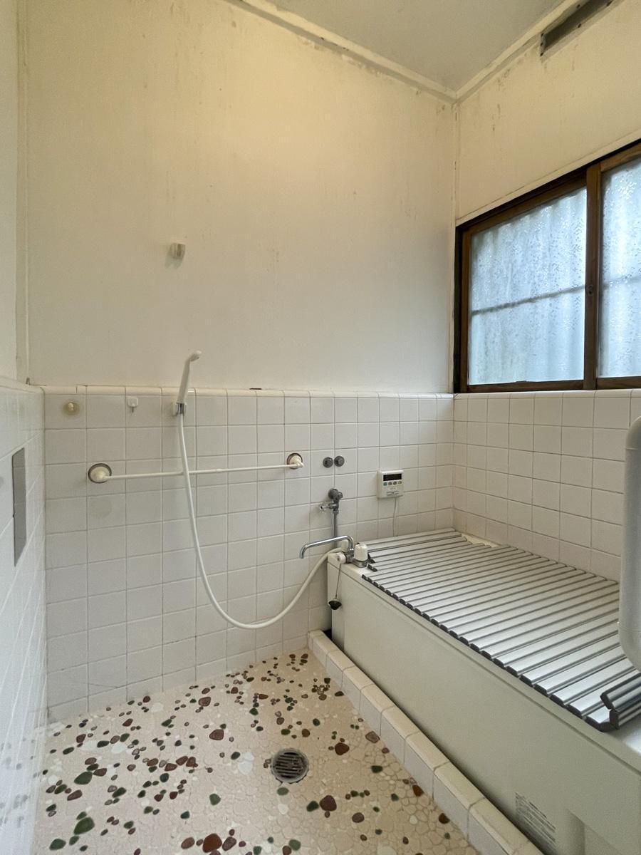 浴室も交換した方が良さそう