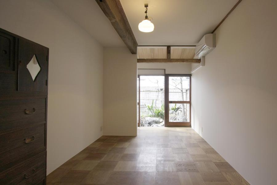 1階の個室。床はフローリングです