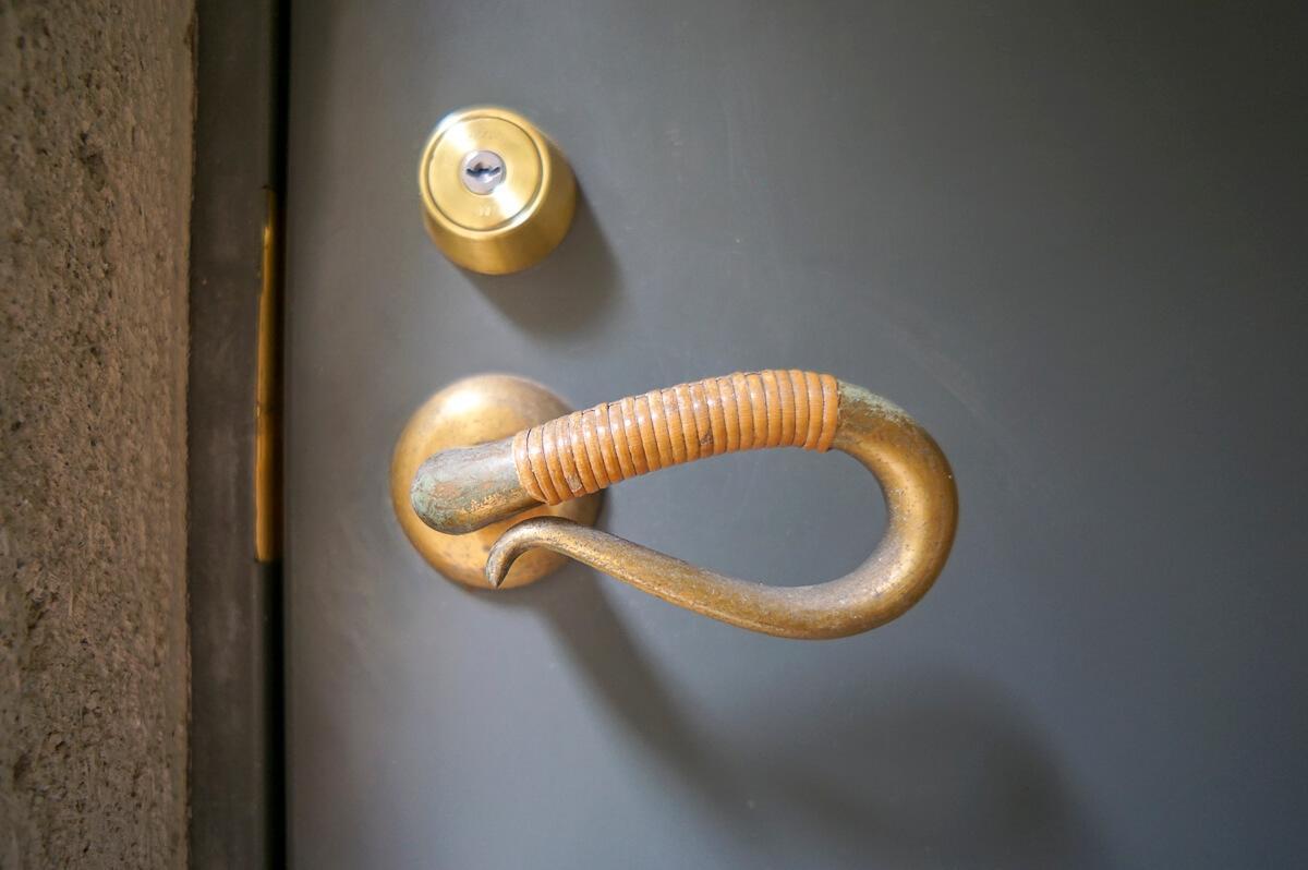 玄関扉の把手