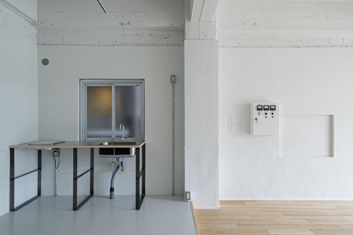 (3F)床の切り替え部分には段差があります(写真©Akira Nakamura)