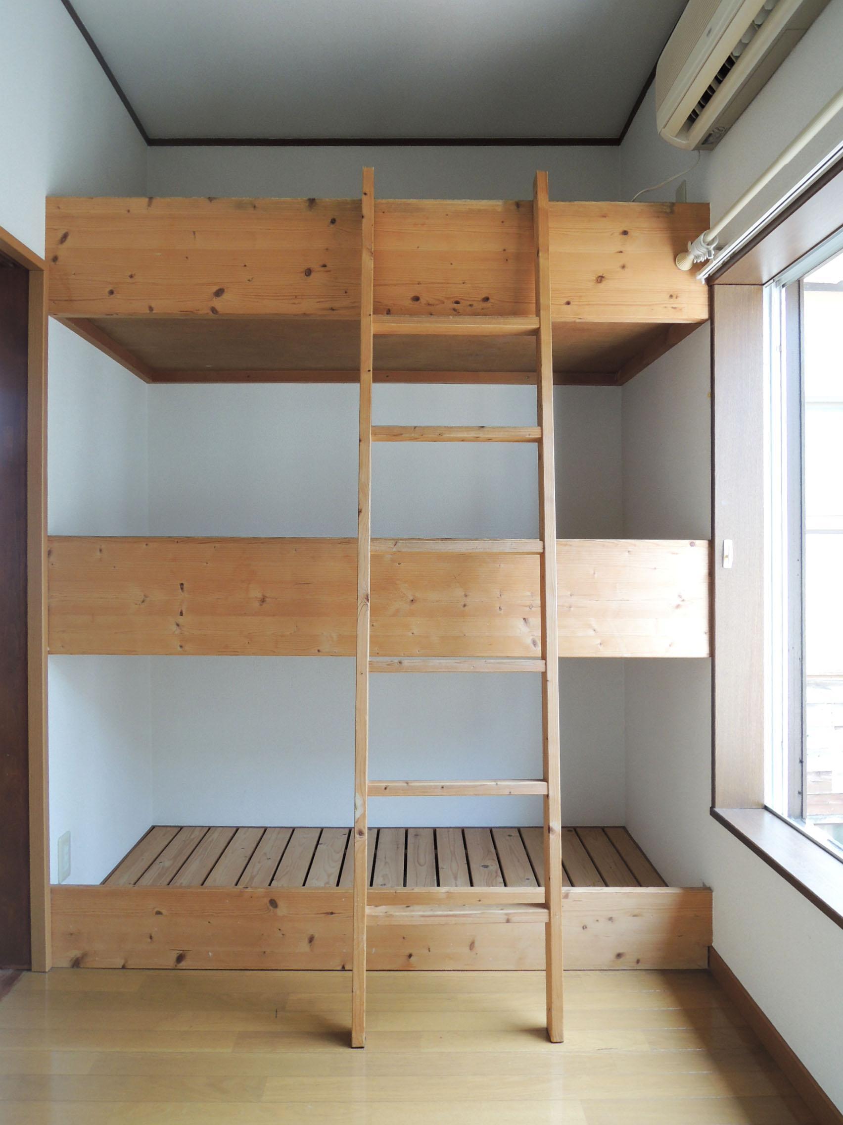 ベッドだけでなく物置スペースとしても使えそう