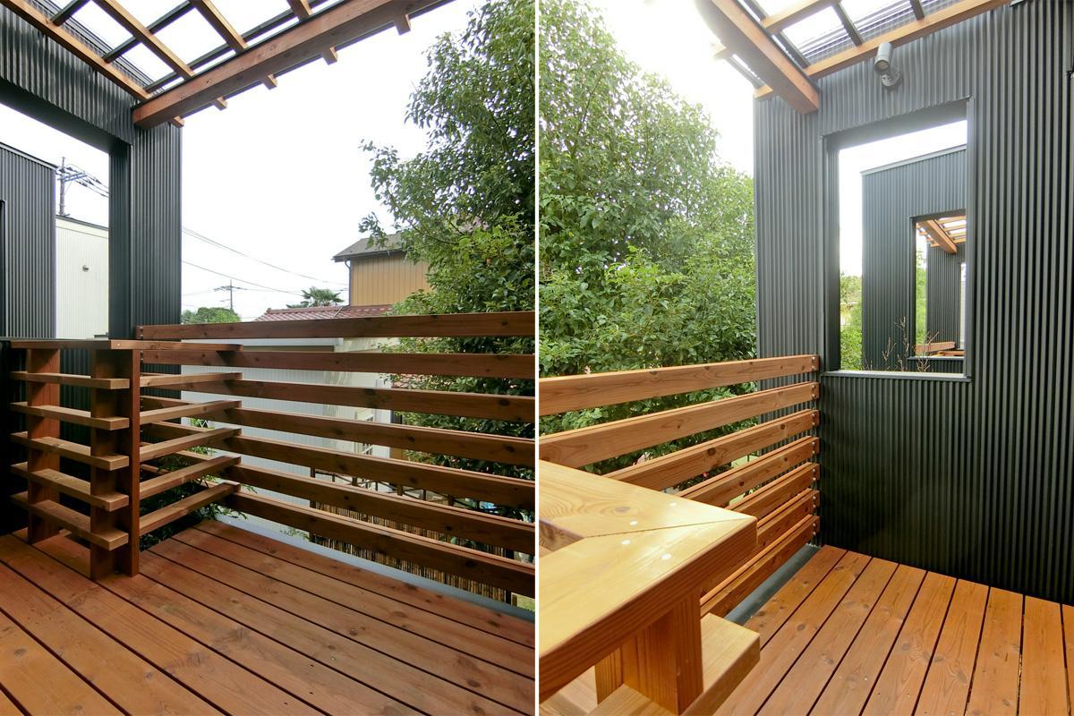中2階:木の香りが漂うウッドデッキのバルコニー