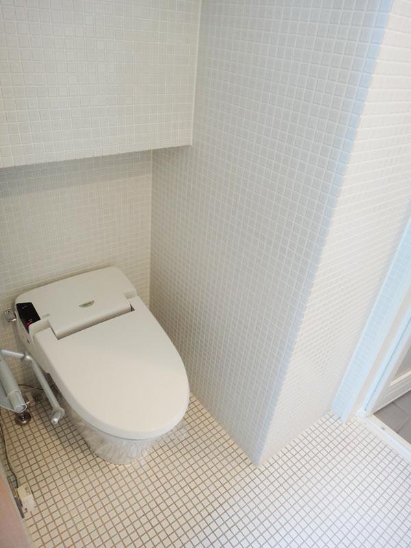 トイレは洗面と同室