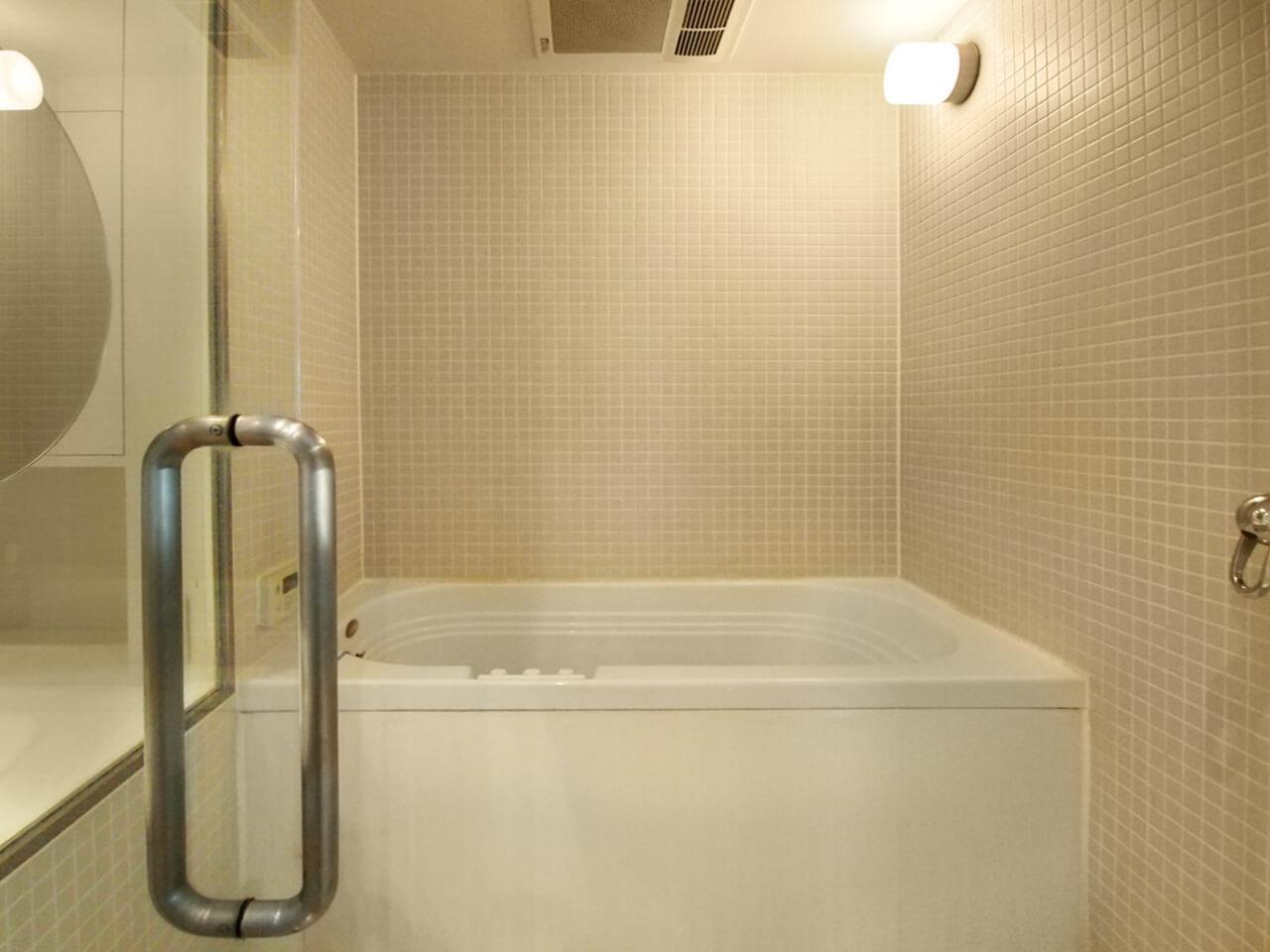 浴室はジェットバス機能付き
