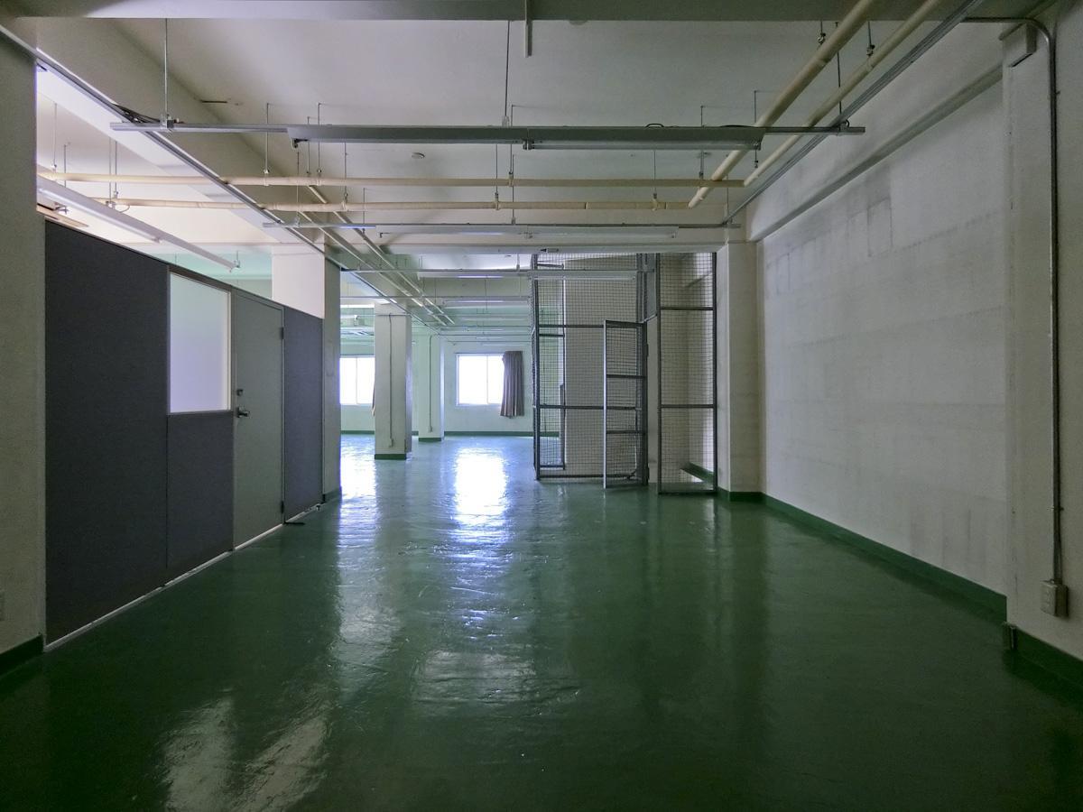 2階:1階から続く内階段