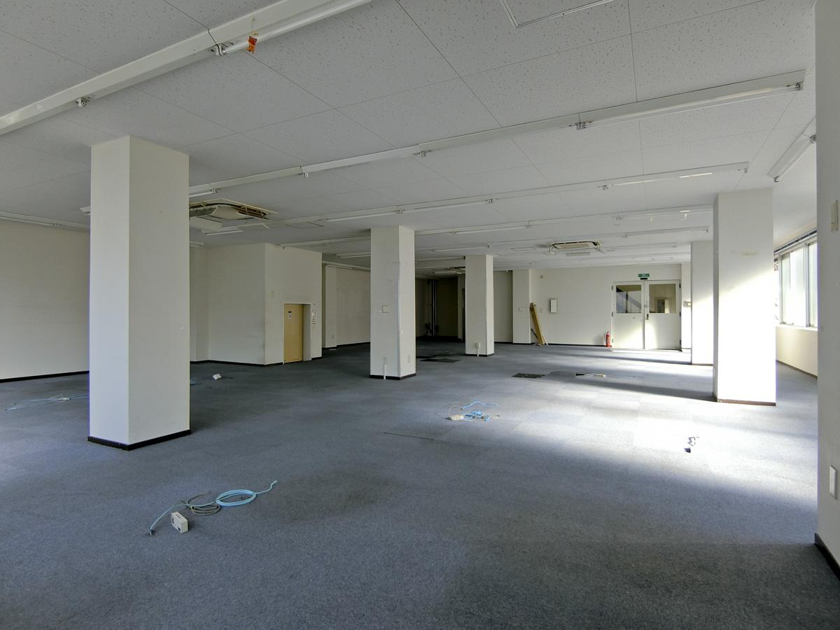 3階:OAフロアの内装