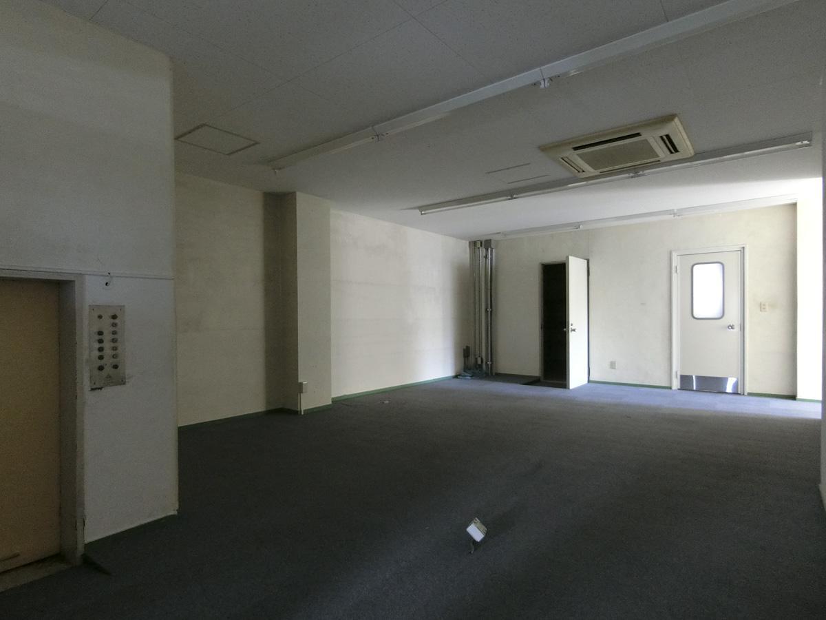 4階:間仕切りの内側