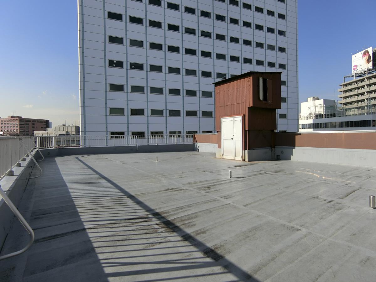 屋上:LIONのオフィスが視界に入ります