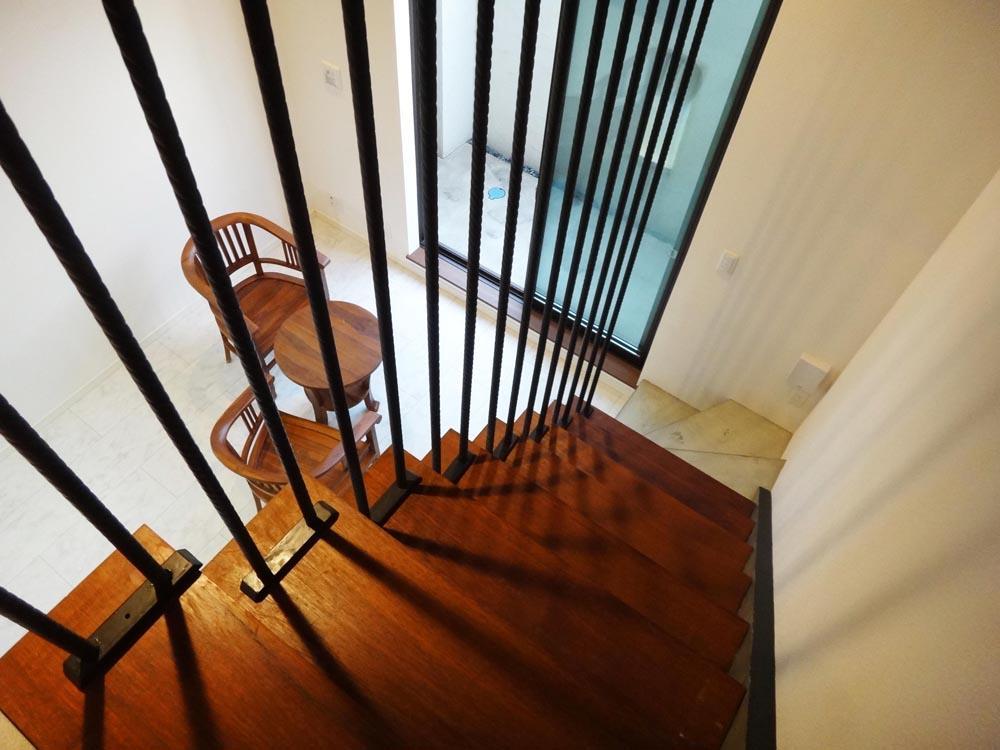階段が絵になる、素敵な空間です
