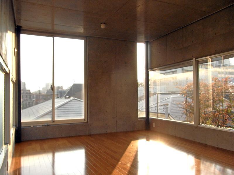 光を取り込むプライベート空間 (大田区大森西の物件) - 東京R不動産