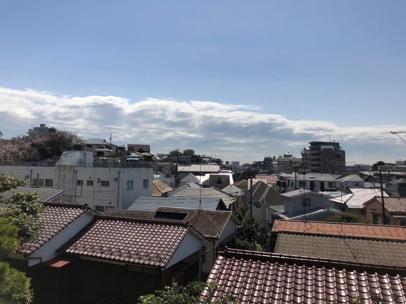 窓からの景色。緑豊かな住宅街が見渡せます
