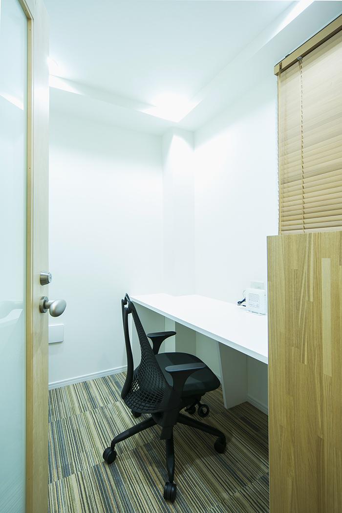 2階:スモールオフィス(個室)