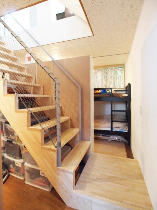 階段を中心に、反対側にも個室が。