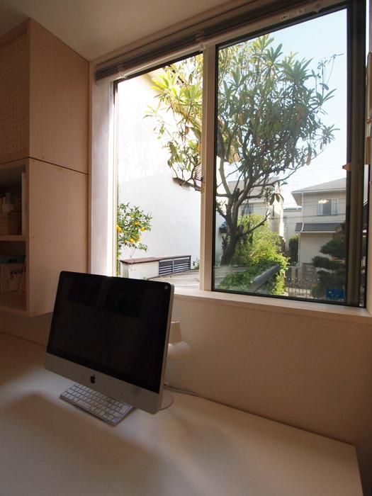 書斎スペースからの眺めも素敵。