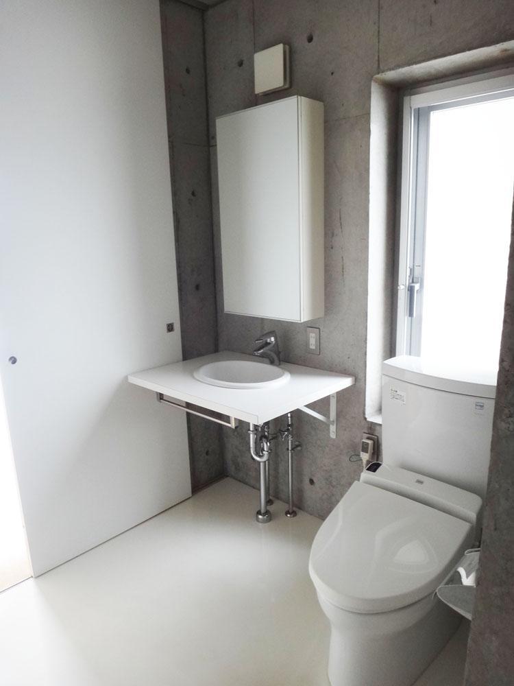 洗面・トイレは一緒の空間です。