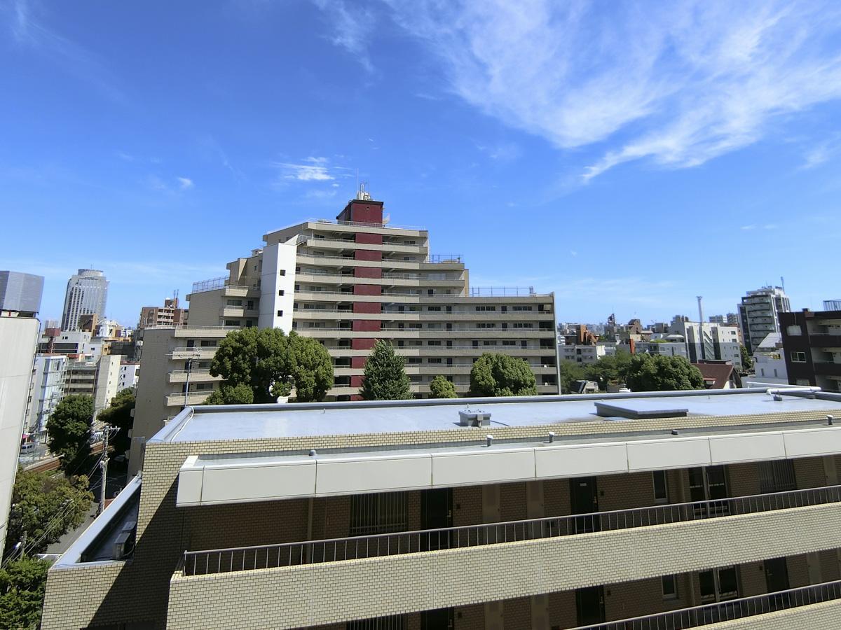 6階からの眺め。9階はもっと抜けてます!
