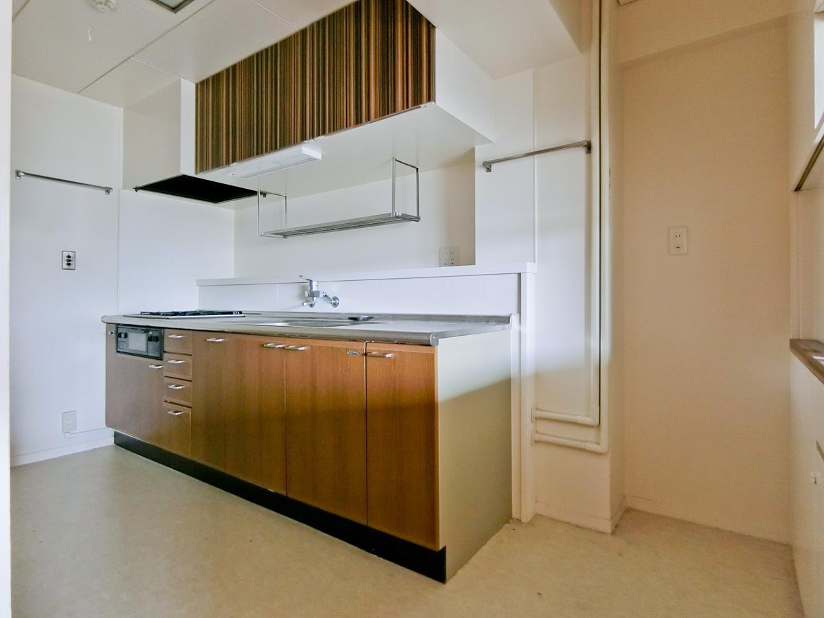 キッチンはガスコンロ3口です